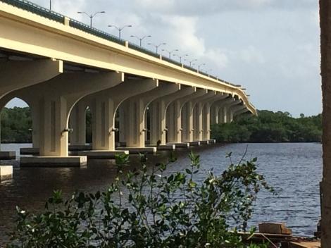 Veterans_Memorial_Bridge_Side_View2400x1800