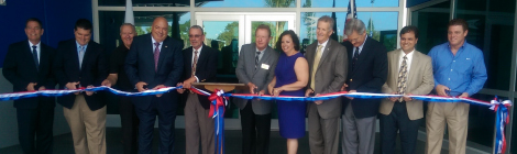 Lee Tran Ribbon Cutting